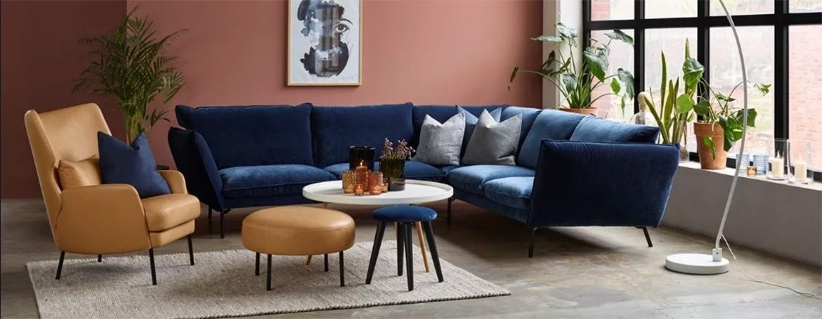 Here we have the very popular Hug blue velvet corner sofa. The Hug corner sofa is available in 4 unique velvet fabric options, each with an array of colour options, and numerous size configurations to meet your requirements.